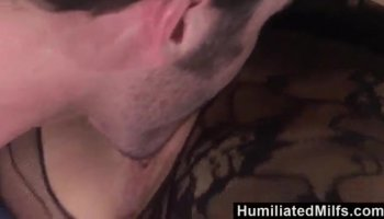 Hungry dude pounds lovely darlings muff zealously