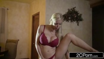 Babe drives her girlfriend avid with cunnilingus