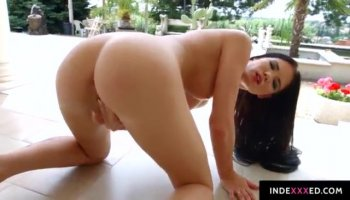 Pale-skinned Daikiri gives her shaved pussy to a stranger